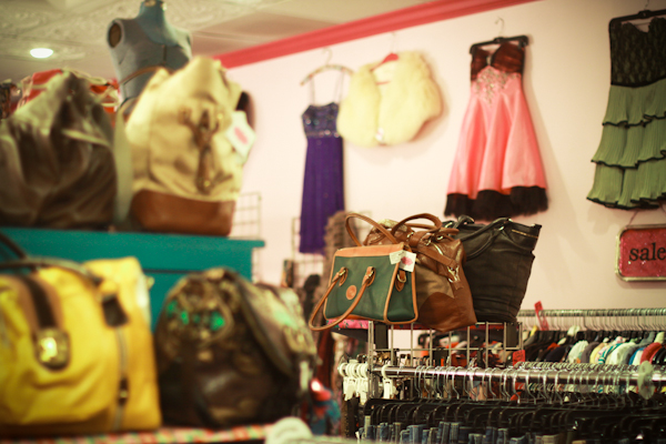 Kansas City Shops: Hello Cheeseburger and Fashionista Exchange
