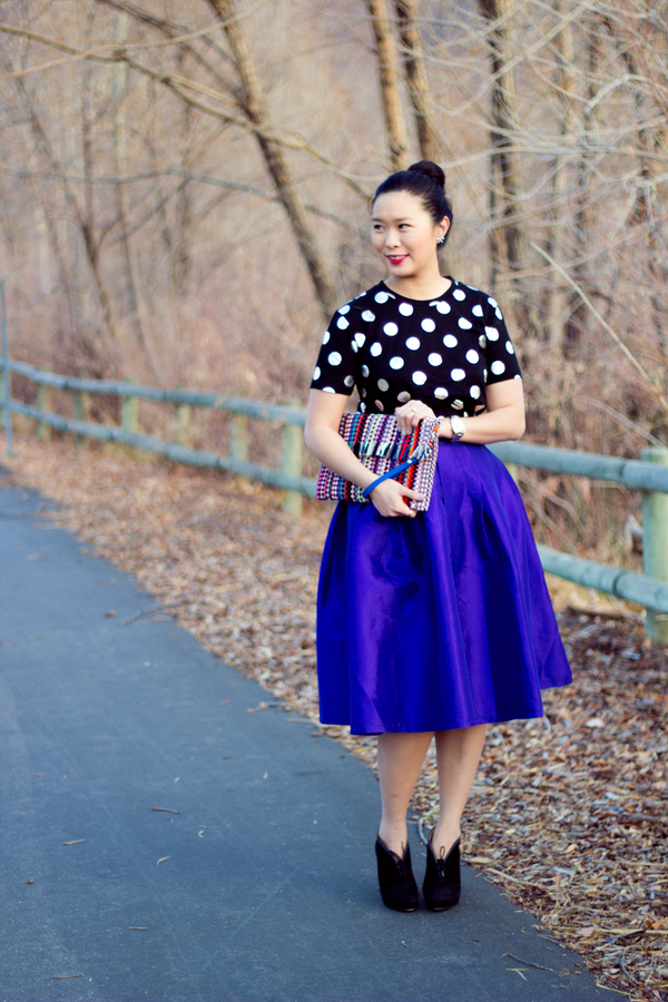 Love this holiday look of a polka dot top and flowy skirt