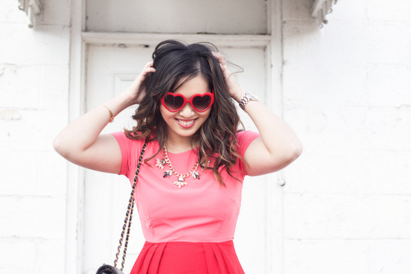 What to wear with heart sunglasses