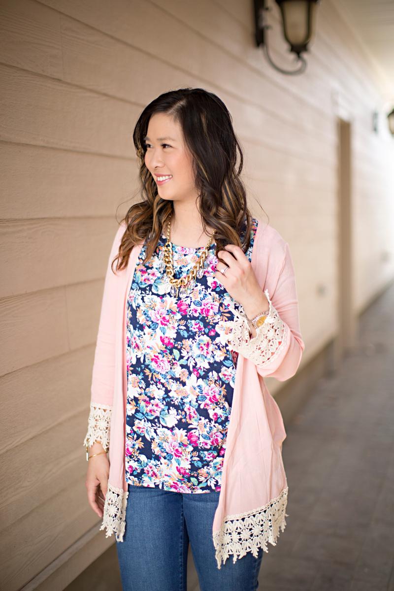 Sandy a la Mode / Fashion Blogger Florals eNVe Designs necklace