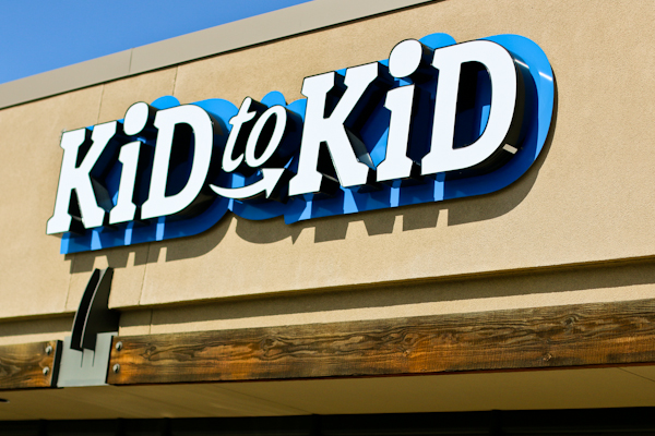 Buying and Selling with Kid to Kid + $25 Gift Card Giveaway!