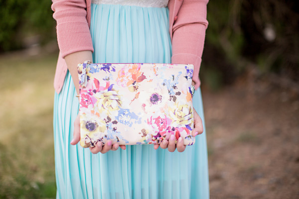 Sandy a la Mode / Fashion blogger Spring Easter maxi dress outfit Kslademade bag