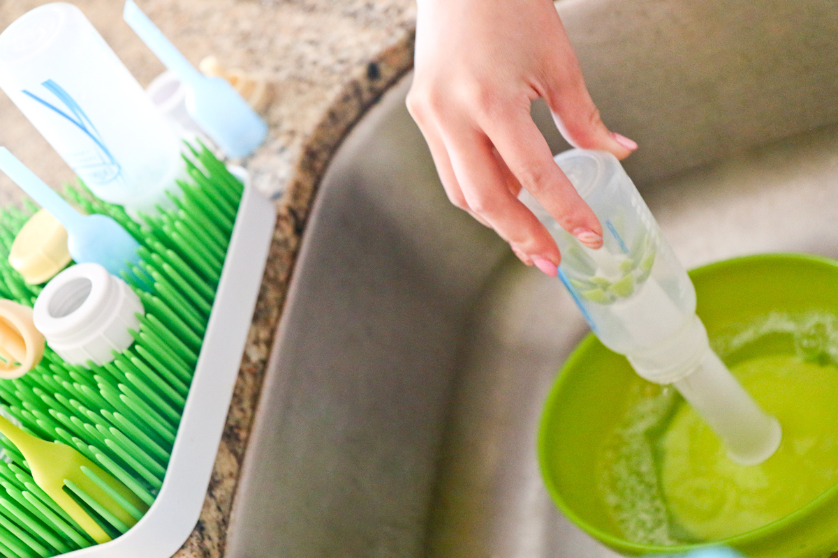 Sandy a la Mode / Boon Suds Bottle Washer