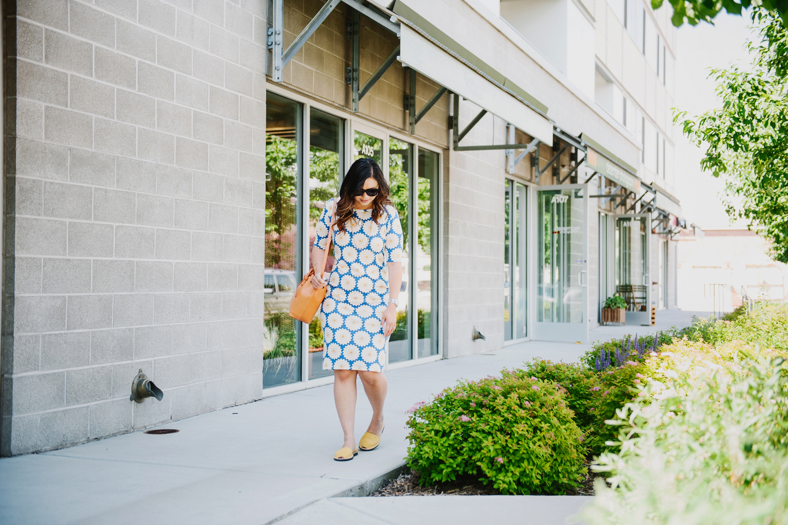 Sandy a la Mode | Fashion Blogger wearing The Avarca Store sandals