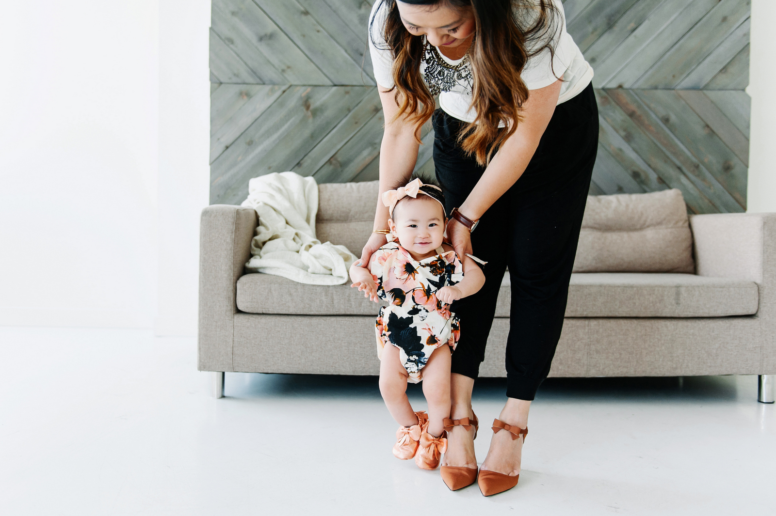 Sandy a la Mode | Fashion Blogger Mommy and Me Black and Bronze