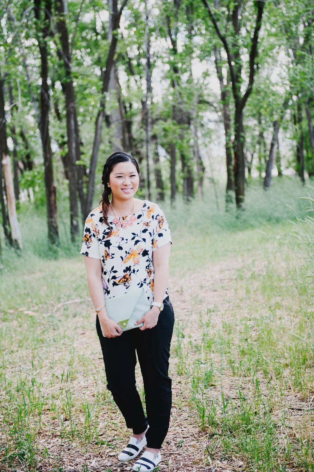 Sandy a la Mode | Fashion Blogger Florals and Striped Blu Kicks