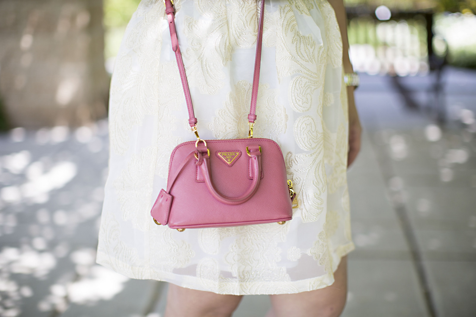 Sandy a la Mode   Fashion Blogger wearing Rhea Etcetera Skirt and Prada Bag