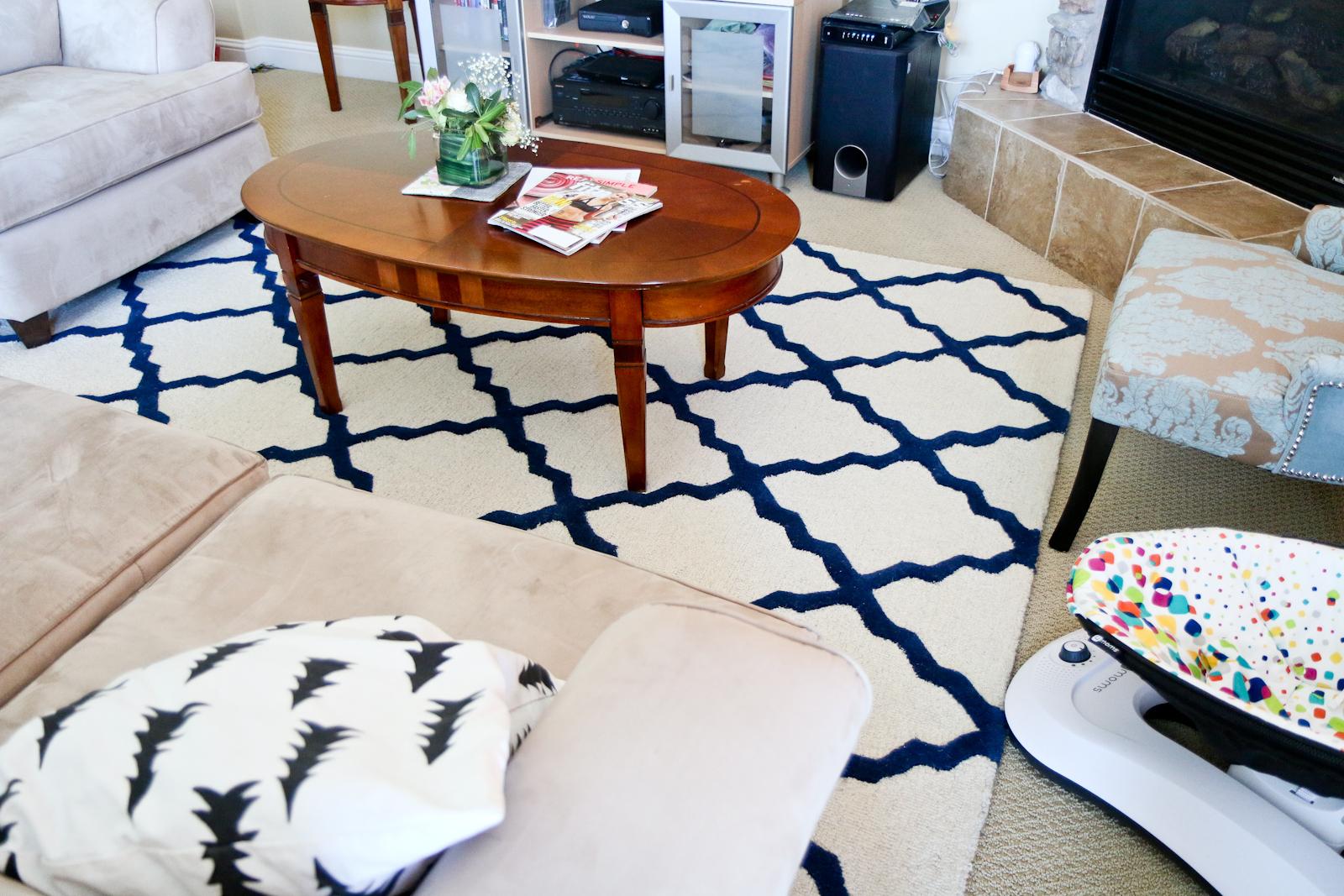 Sandy a la Mode   Home Decor Blue and Beige Living Room