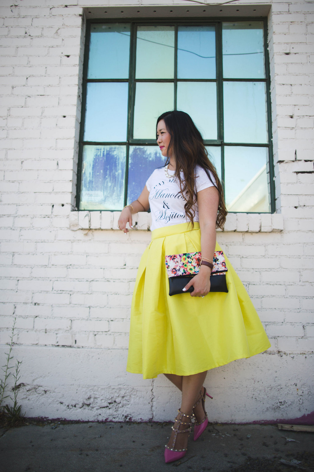 Sandy a la Mode | Fashion Blogger Graphic Tee and Midi Skirt