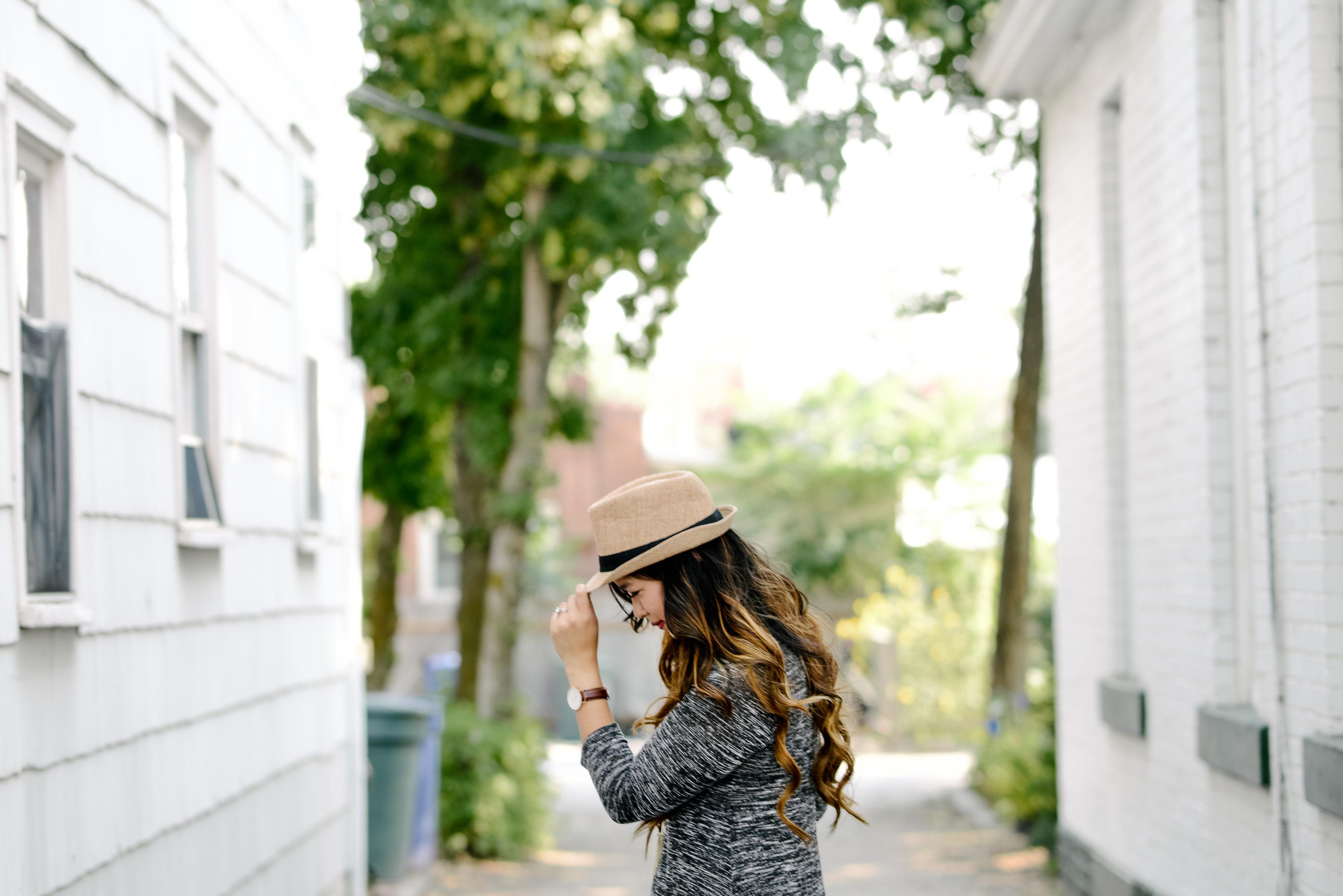 Fashion blogger wearing neutrals