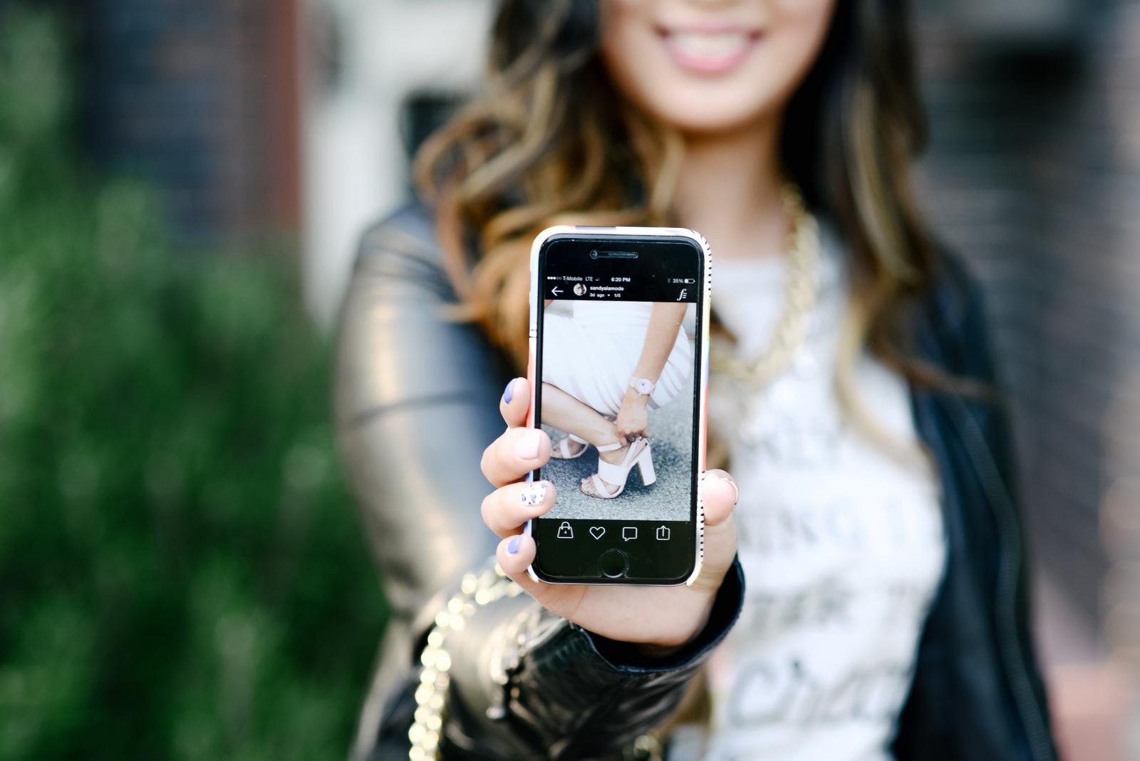 Sandy a la Mode using Fashion Stash app