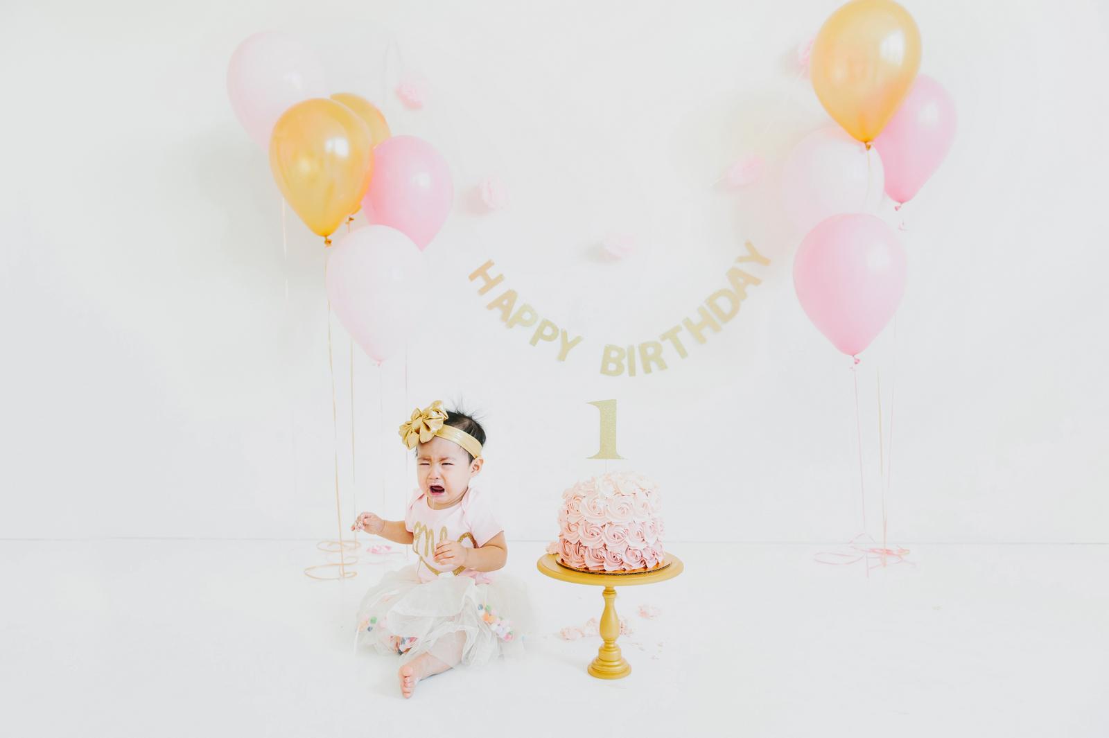 crying baby cake smash
