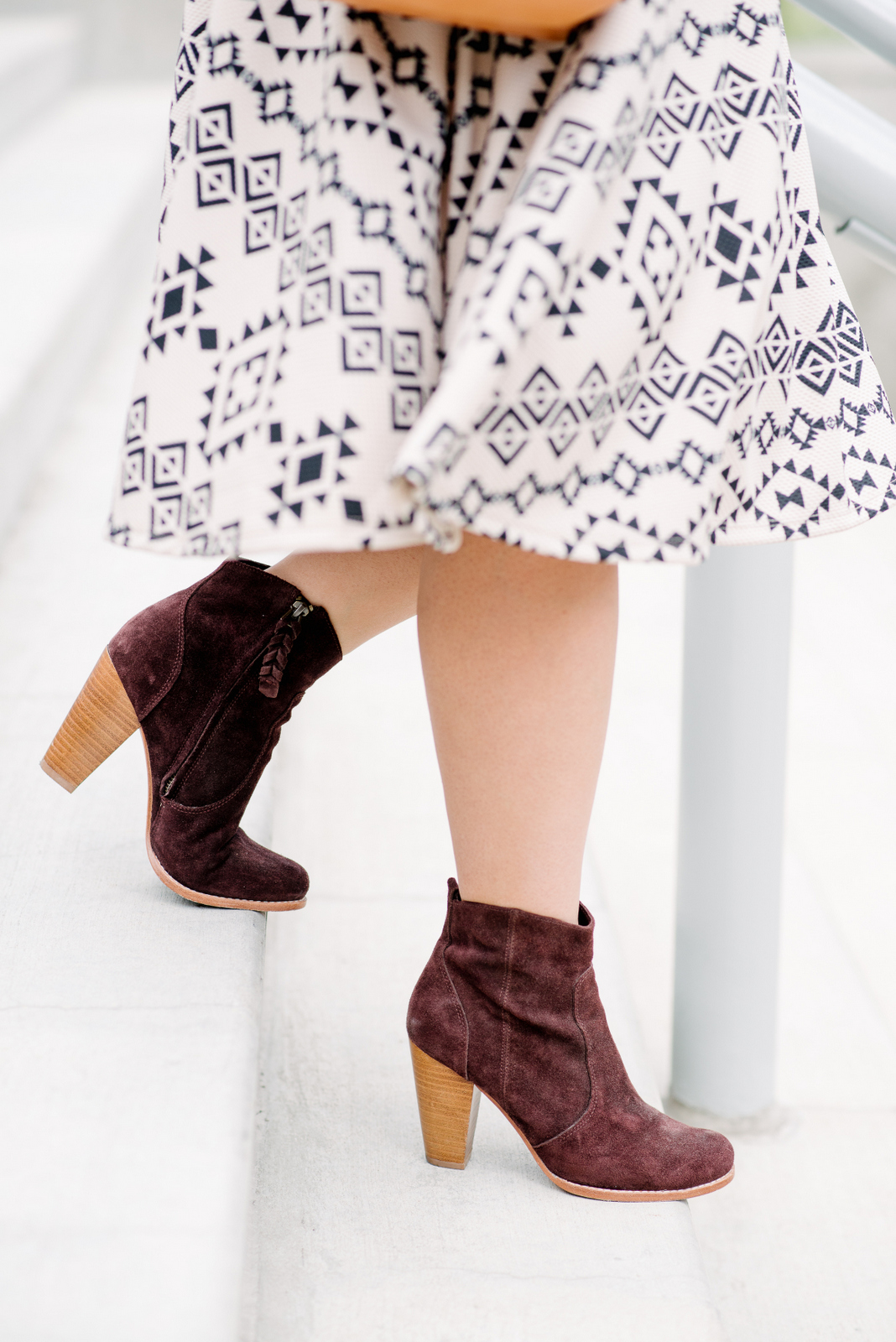 midi skirt with joie boots