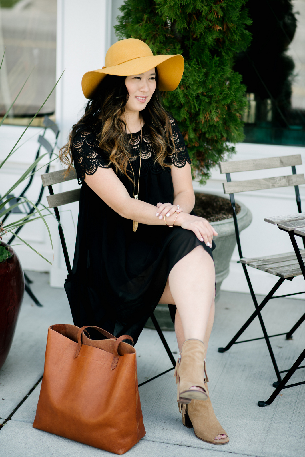 Black bohemian dress and hat