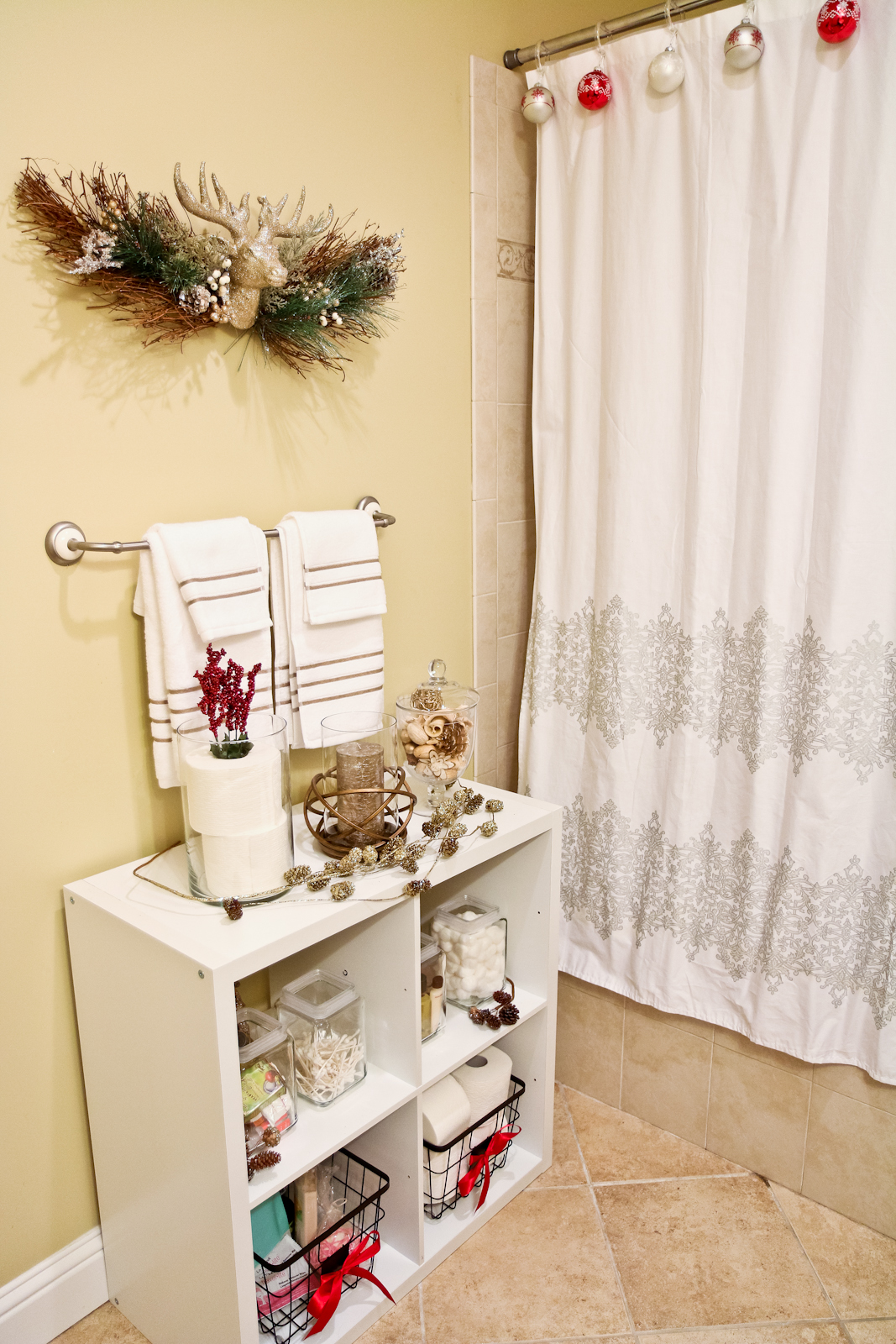 Guest bathroom for holidays