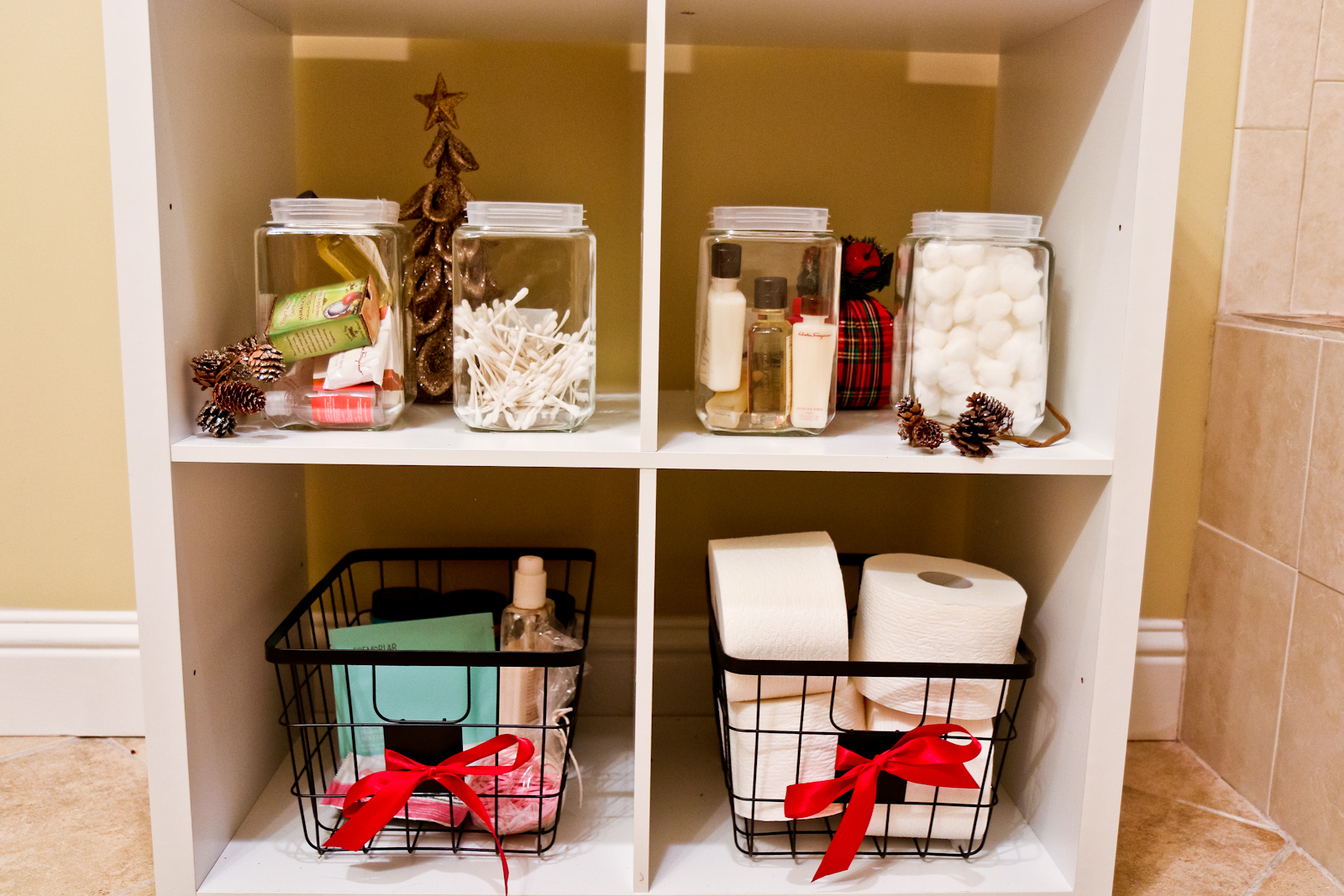 Bathroom storage for holidays