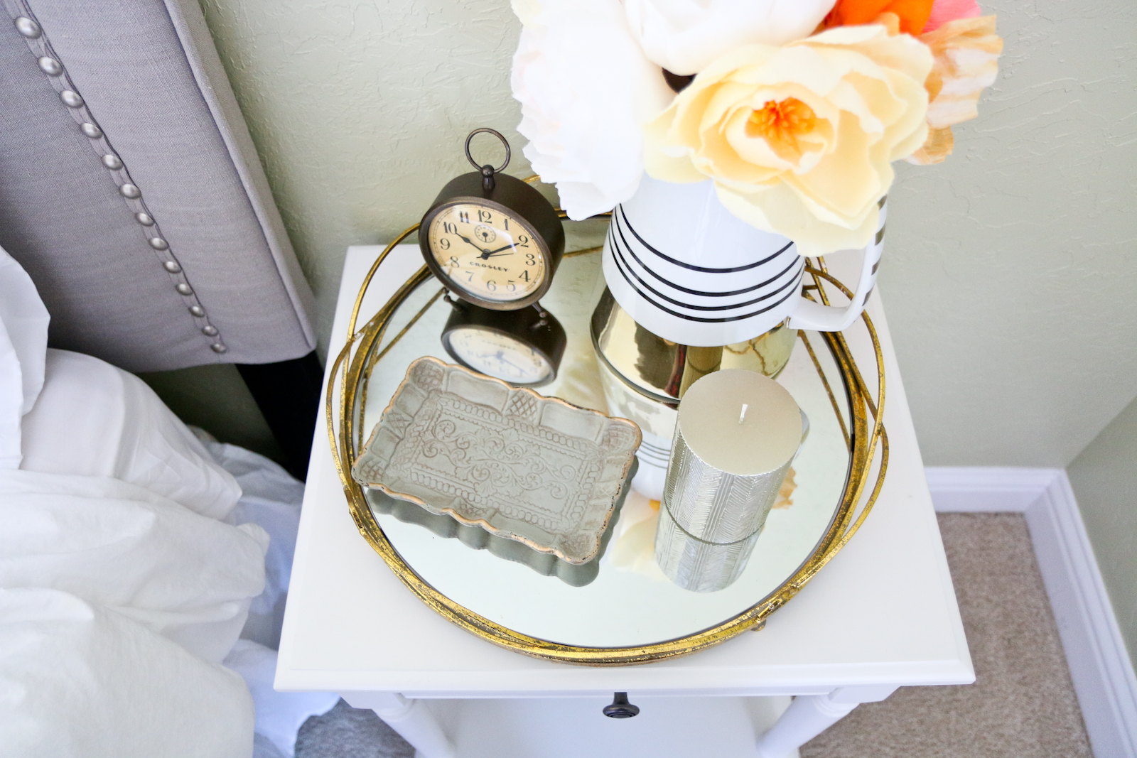 How to style a mirror tray
