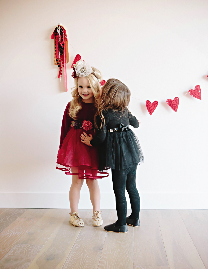 4 Adorable Valentine S Day Outfit Styles For Girls Sandyalamode