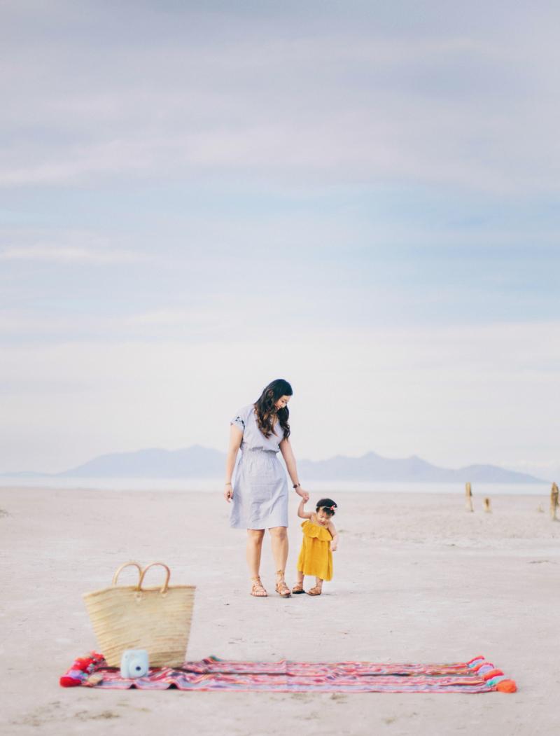 Mama daughter beach looks