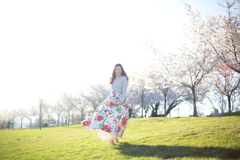 Fashion blogger pictures at Utah State Capitol