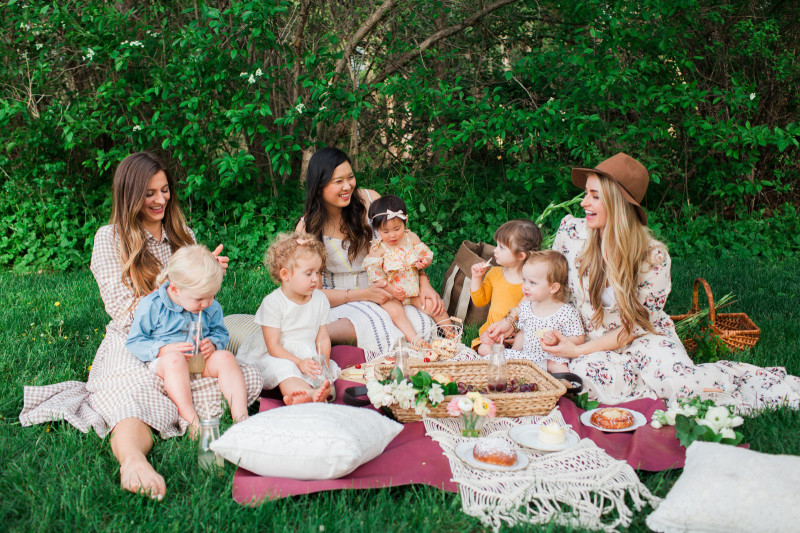 Mommy and Me Outdoor Picnic