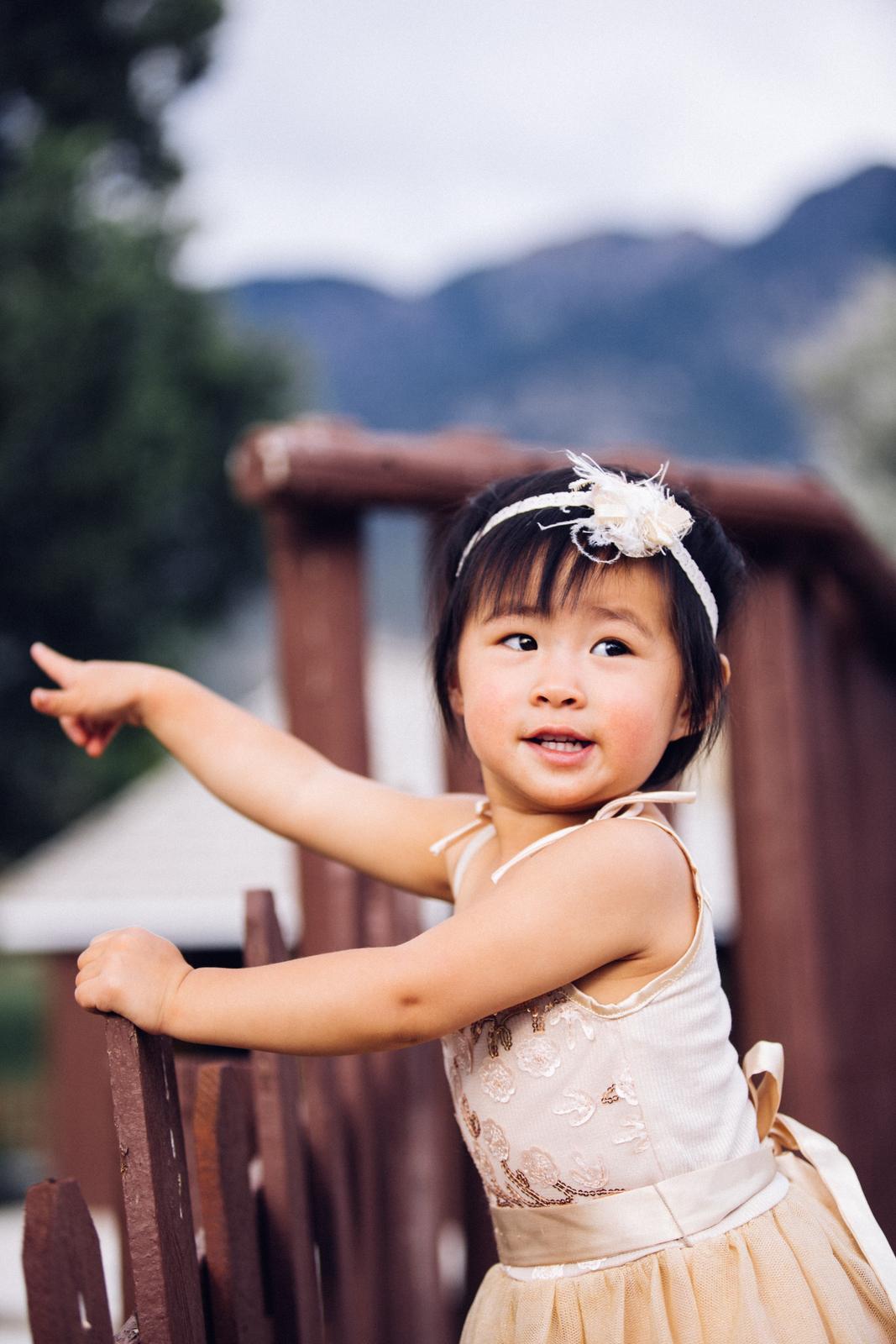 Toddler girl wearing Ele Story