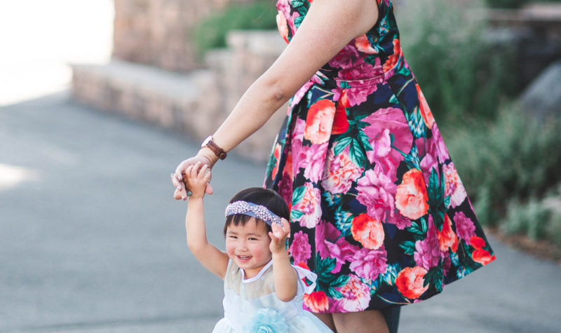 Mamas and Minis Style: Summer Wedding Dresses + Giveaway!