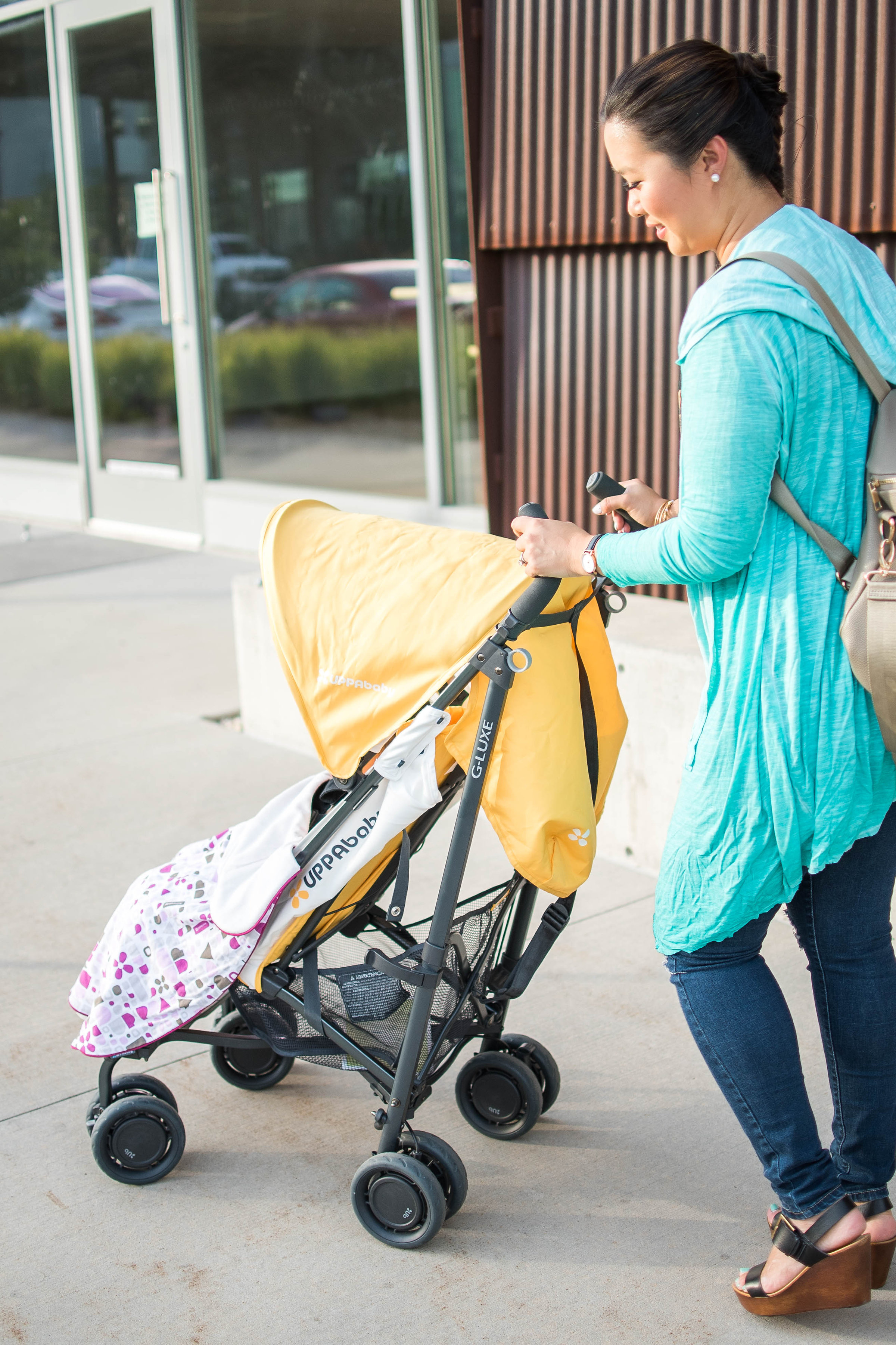 Traveling stroller