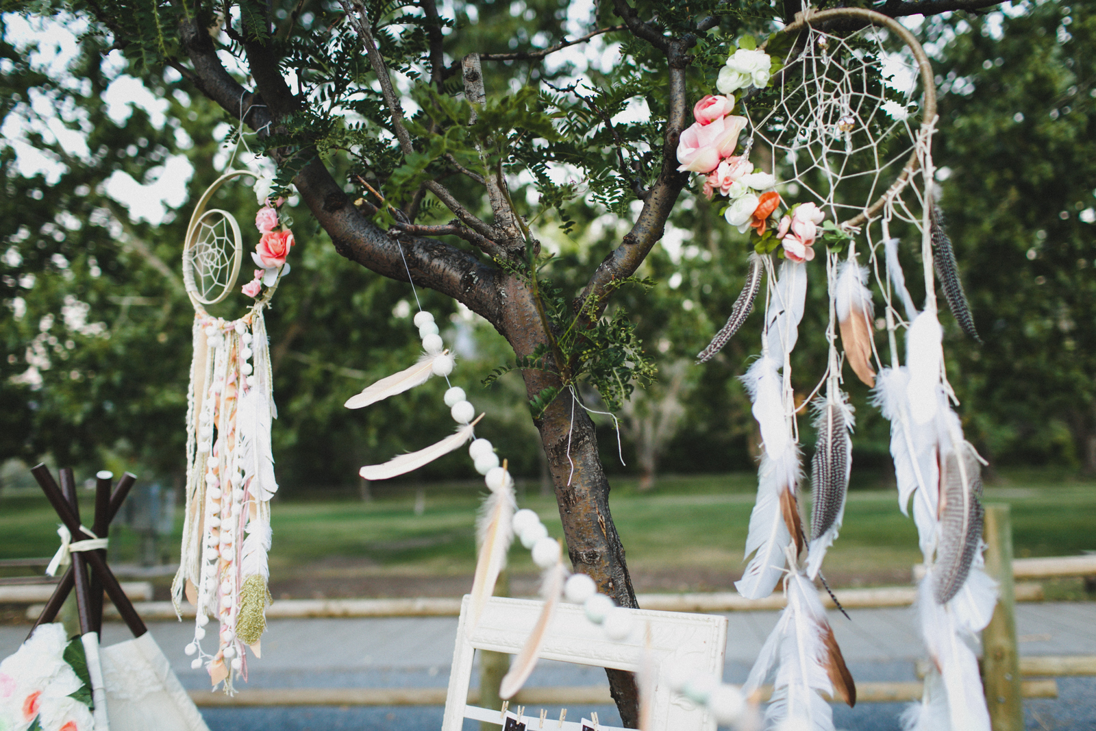 Boho birthday party dreamcatchers - Photo by Summer Nicole Photo