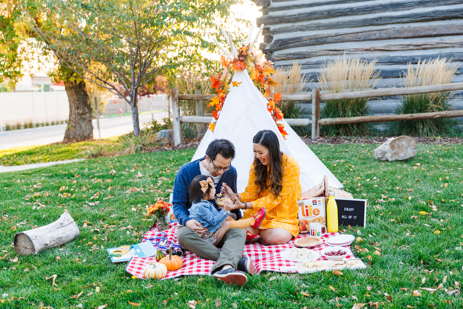How to have a Fall family picnic