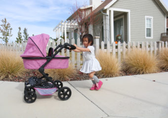 Strolling With Their Babies + Triokid Giveaway!