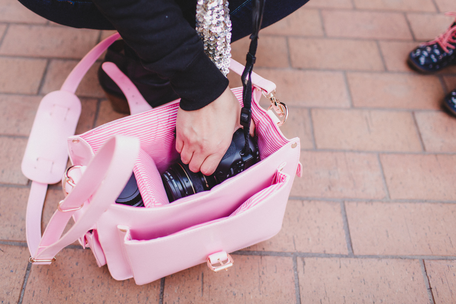 The McKenzie Bag - Pink Camera Bag