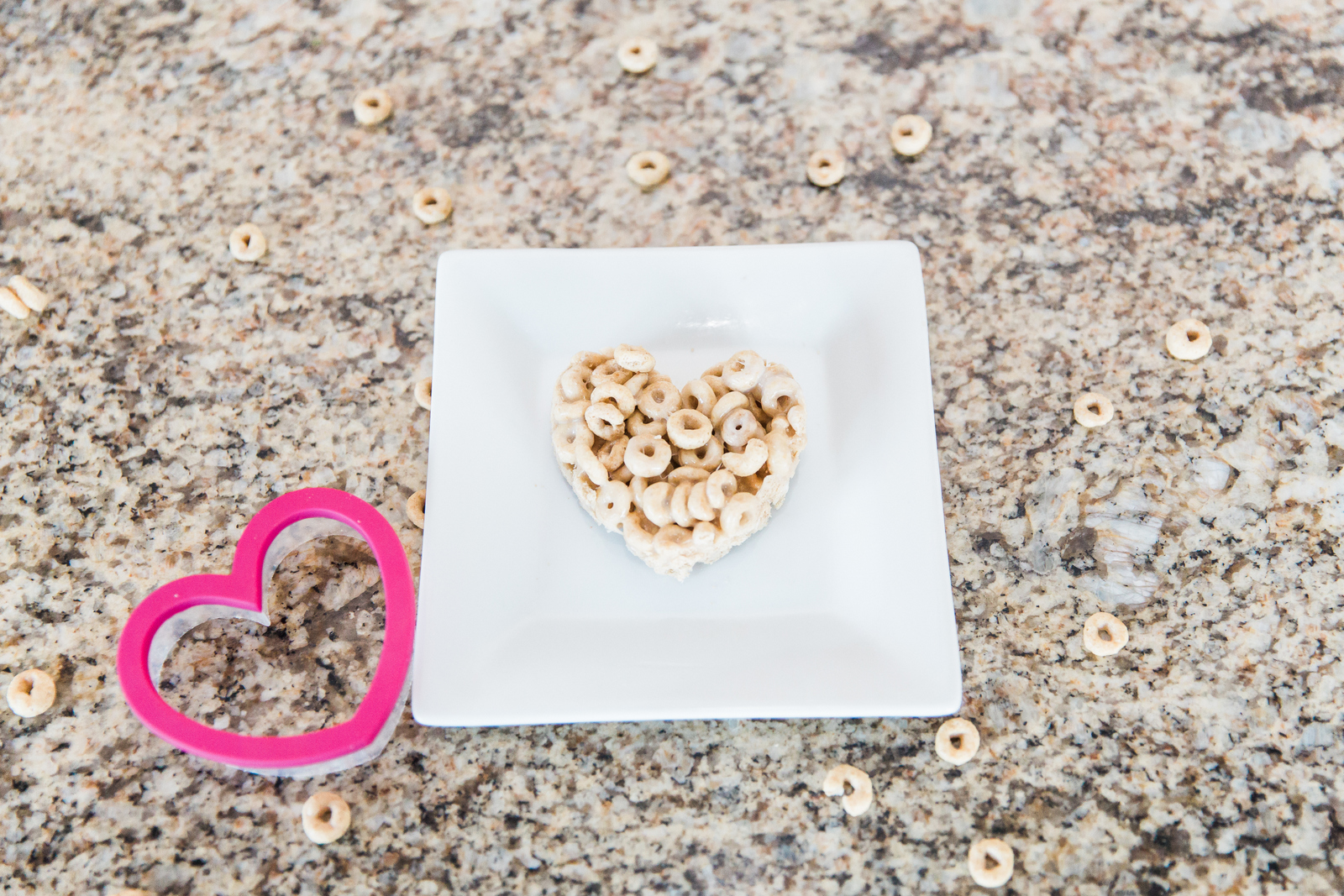 Valentine's Day Treat: Cheerio Treats