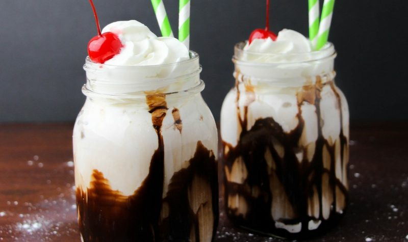 Bailey's Sundae-Style St Patrick Drinks