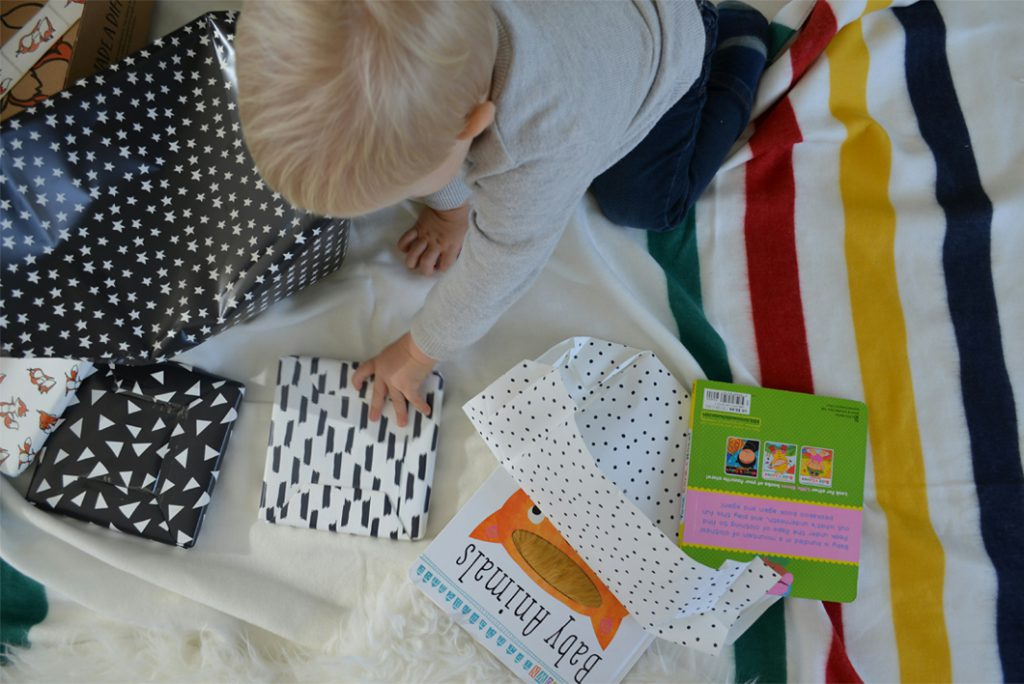 Lillypost: book subscription box for kids