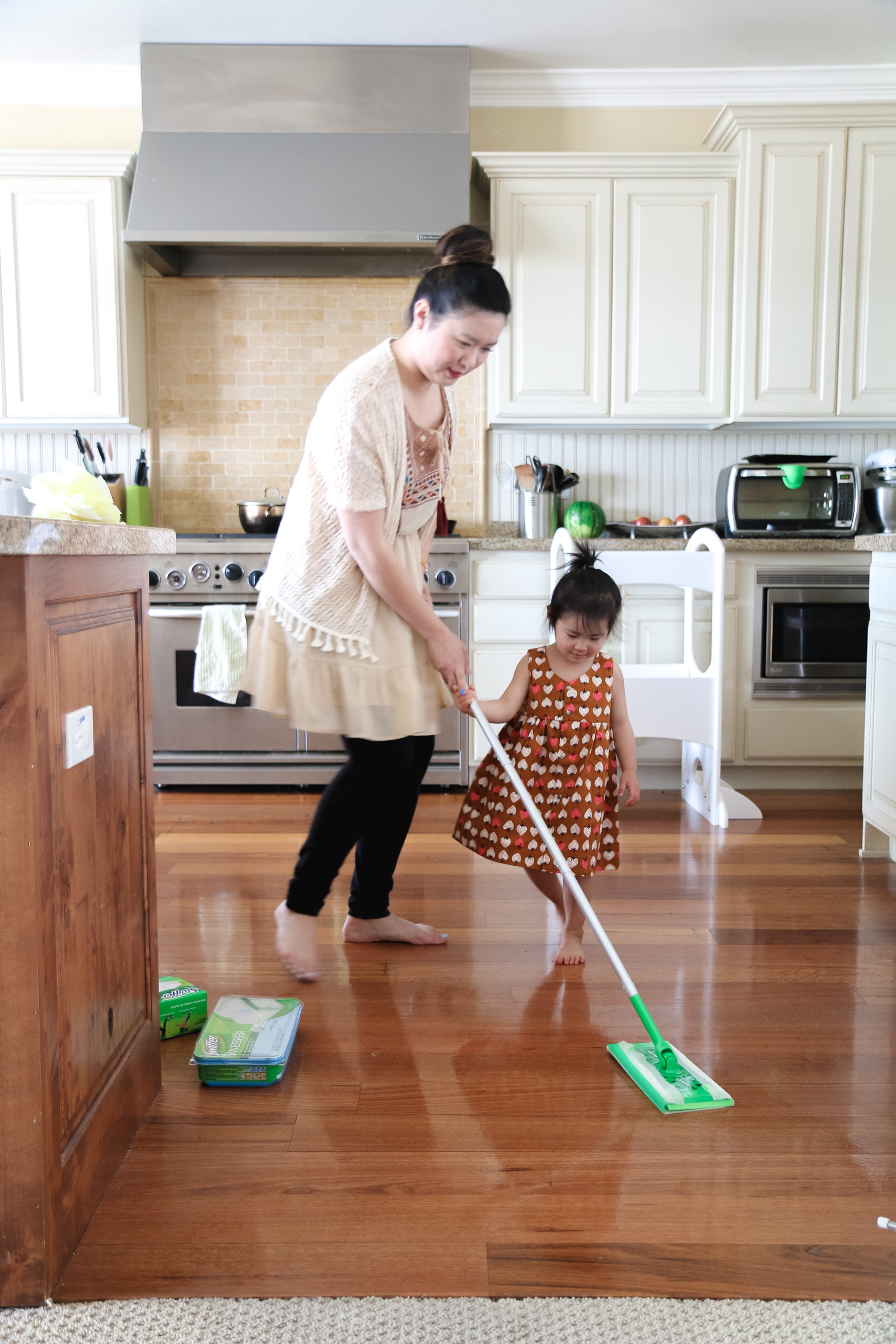 5 Tips On How To Save Time Cleaning by lifestyle blogger Sandy A La Mode