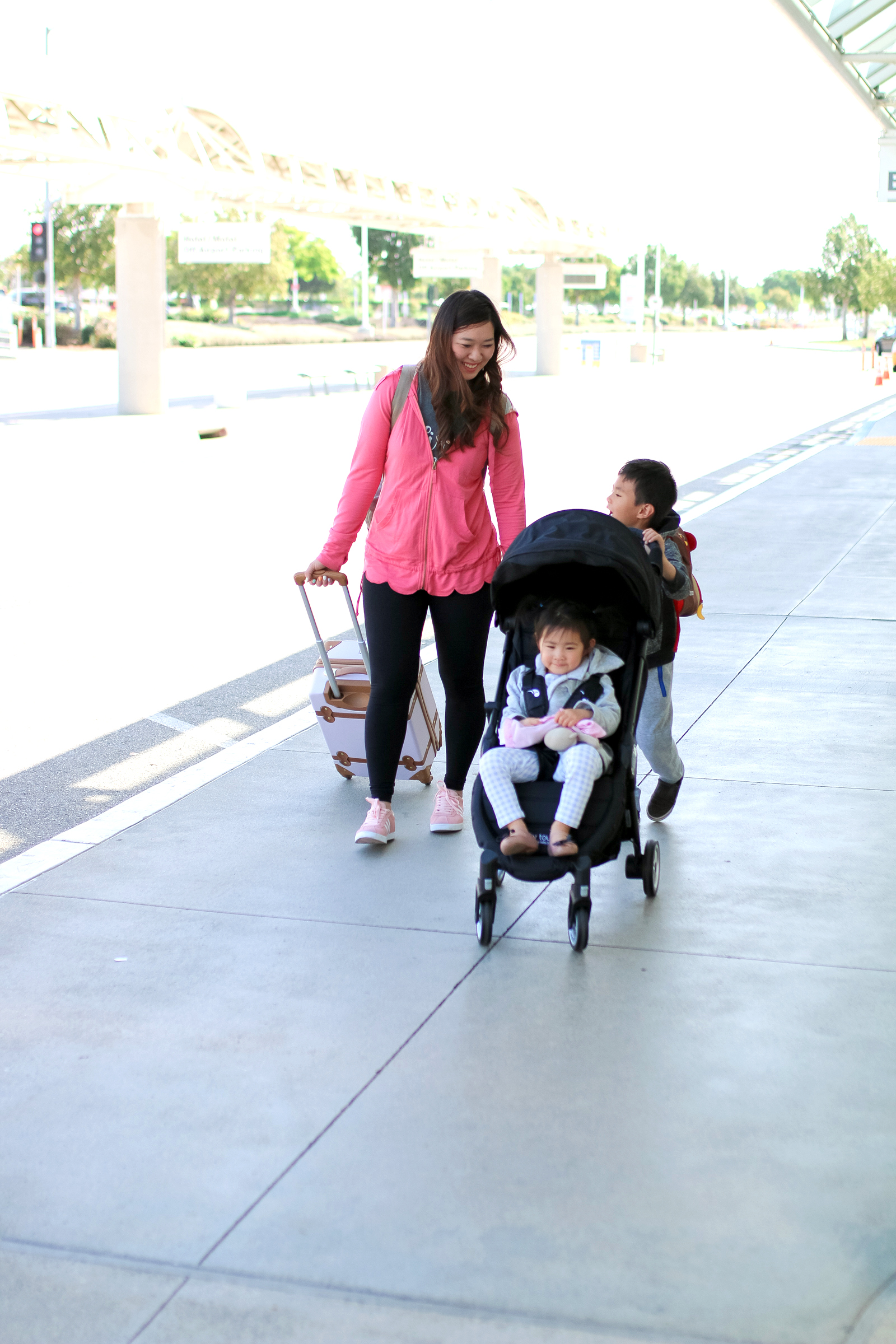 5 Travel Hacks For Traveling With Little Ones with Baby Jogger by lifestyle blogger Sandy A La Mode