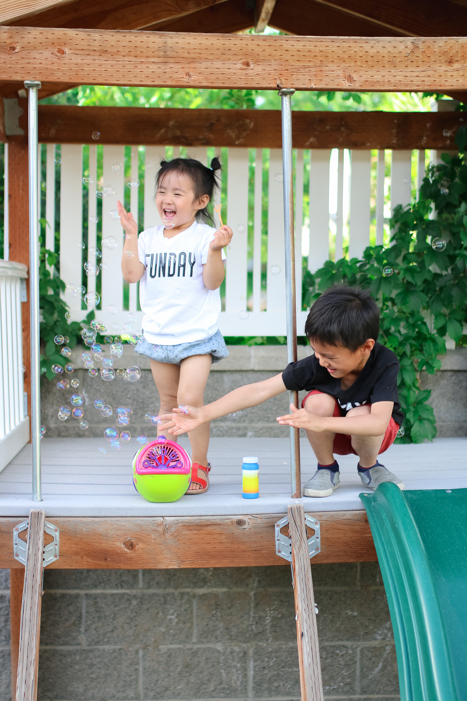 9 Super Fun Summer Activities For Kids To Do in Your Own Backyard by popular blogger Sandy A La Mode