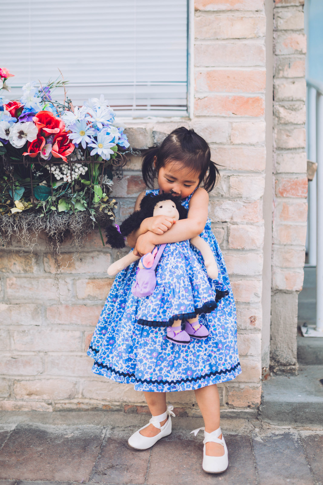 f00c6b0c8f Now if there is one thing that MIGHT be cuter than Mommy and me matching…  it quite possibly could be matching girl and doll outfits, what do you  think??
