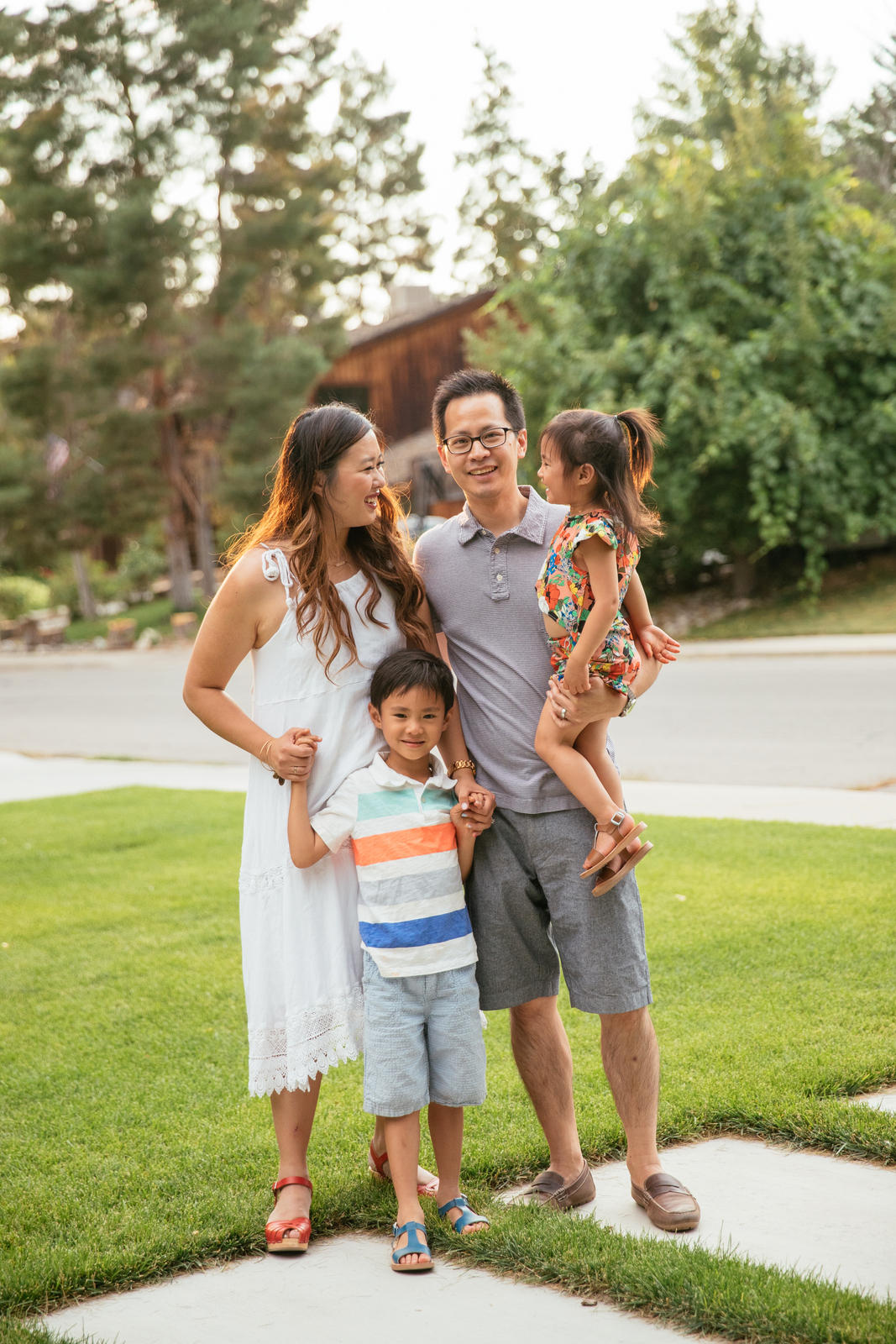 Fantastic Family Photos Ideas by Utah blogger Sandy A La Mode