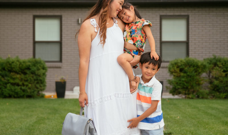 Fantastic Family Photos Ideas Ft. The Cutest Diaper Bag From Freshly Picked + Linkup!
