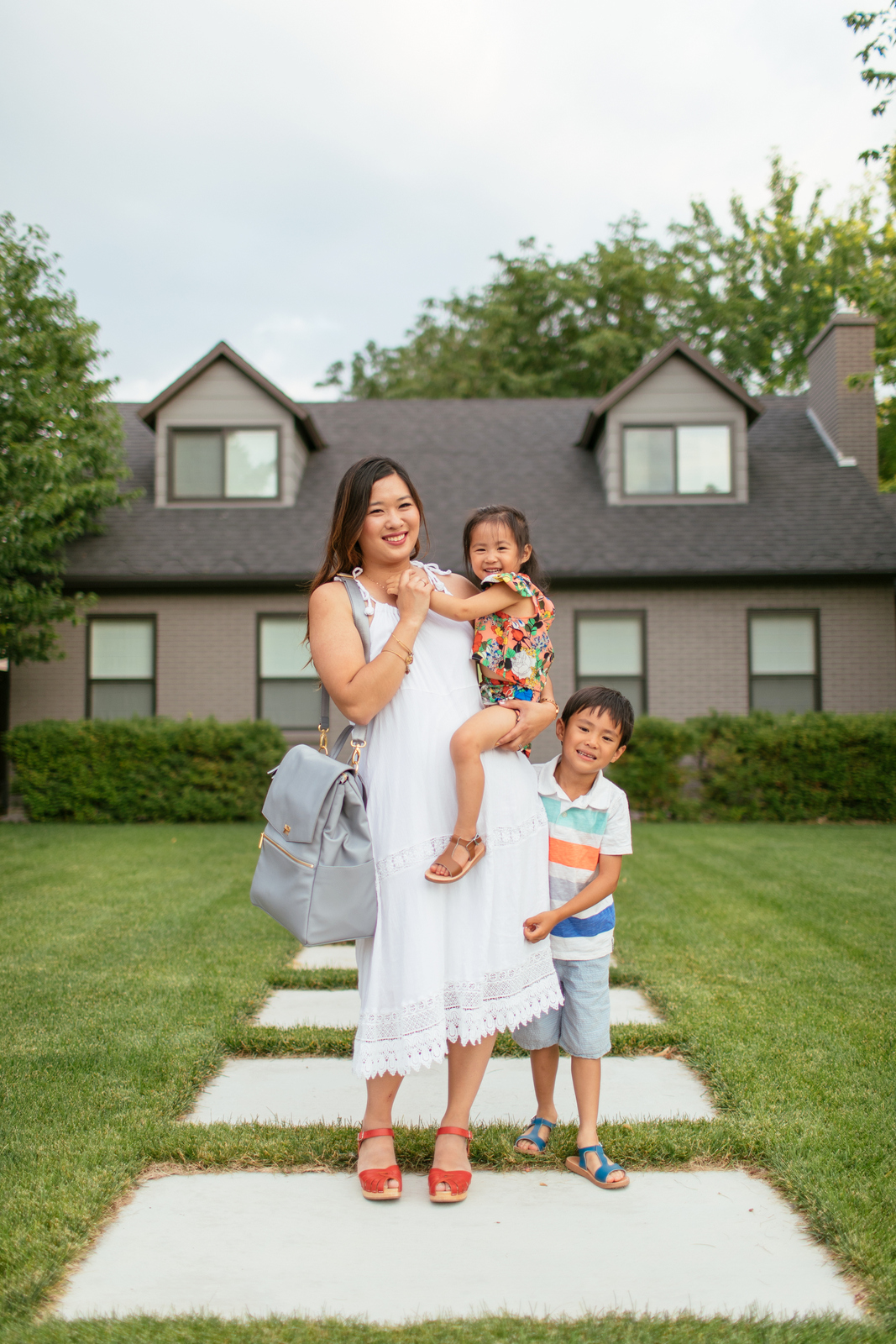 Fantastic Family Photos Ideas Ft. The Cutest Diaper Bag From Freshly Picked by Utah blogger Sandy A La Mode