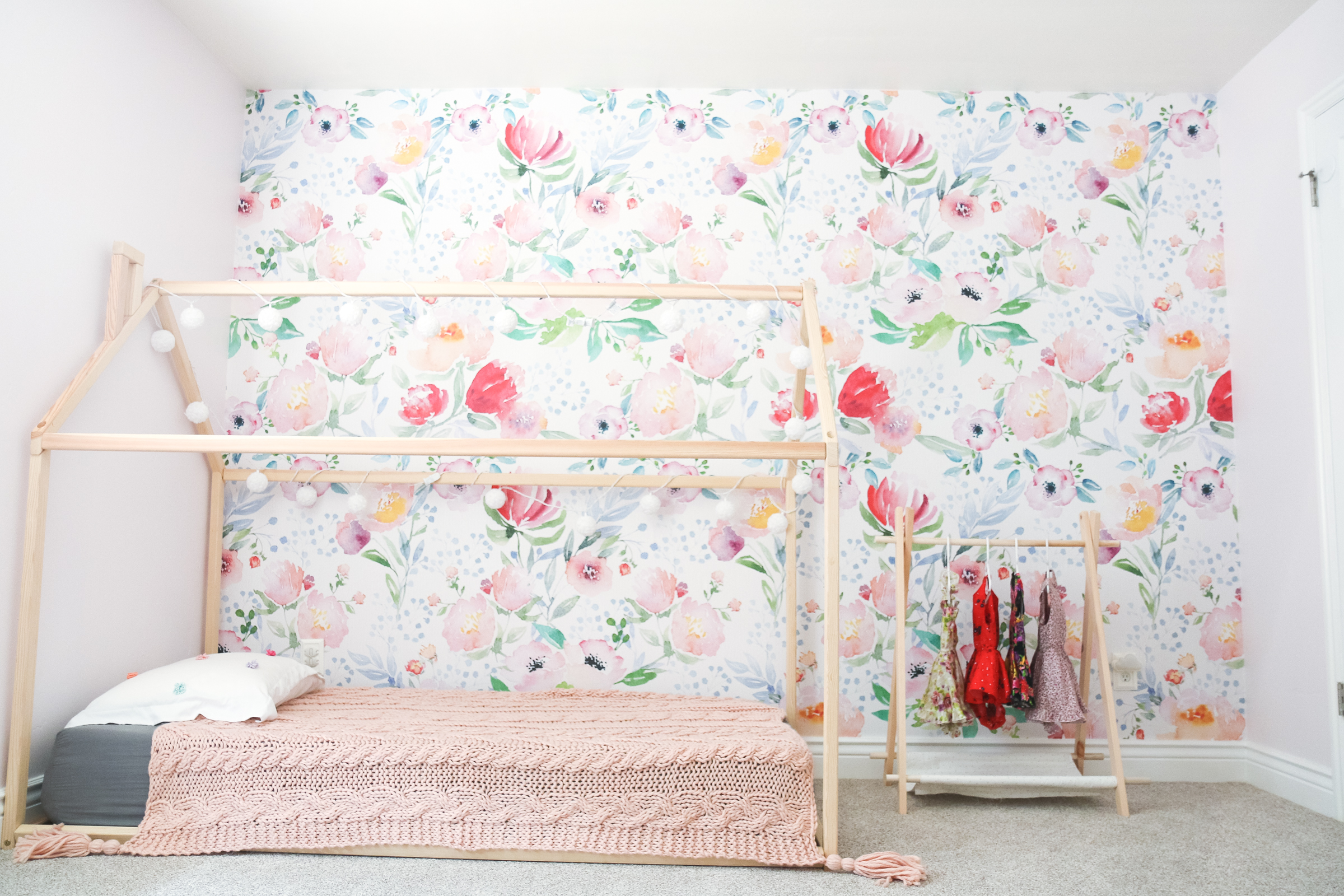 Decorating An Accent Wall With Vinyl Wallpaper | SandyALaMode