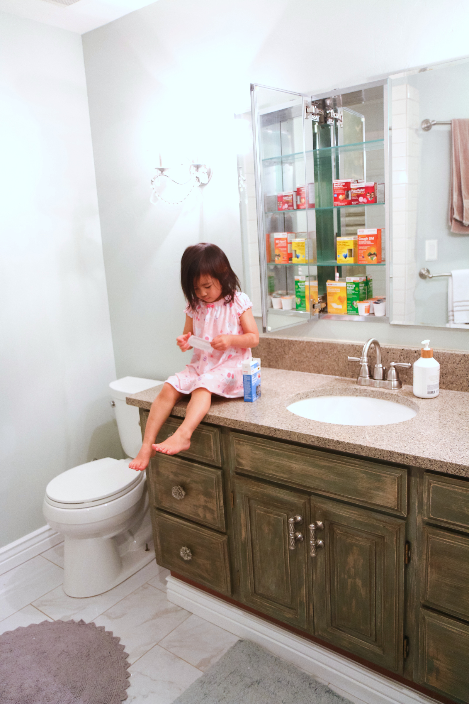 7 Family Medicine Cabinet Essentials by popular Utah blogger Sandy A La Mode