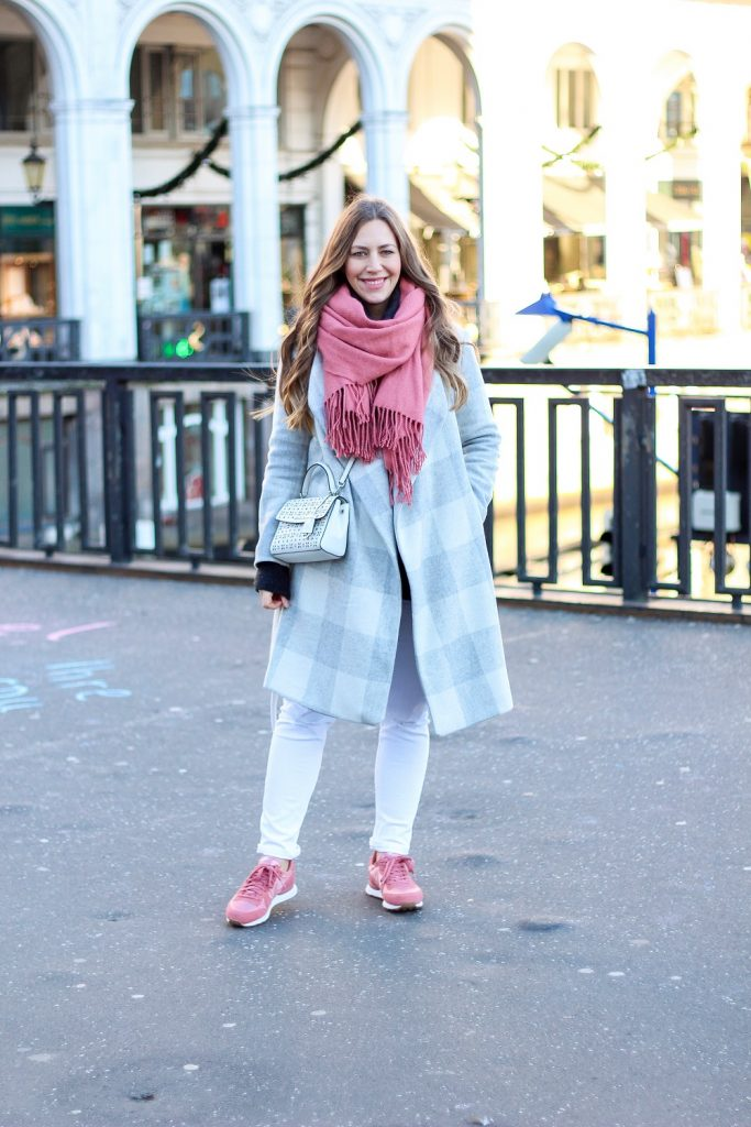 6bd79cb2a7 The winner of last week s most clicked link for On Trend Tuesdays Linkup is  Alex of Fabes Fashion! I am OBSESSED with the pink and grey!!!