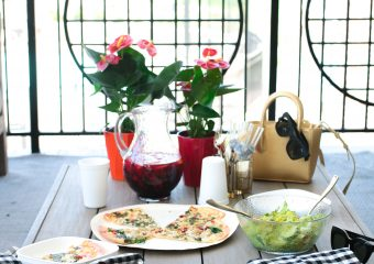 Hostess Gifts: Why Flowers Are Always A Good Idea